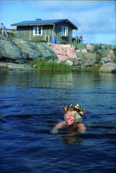 ToveJanssonSwim